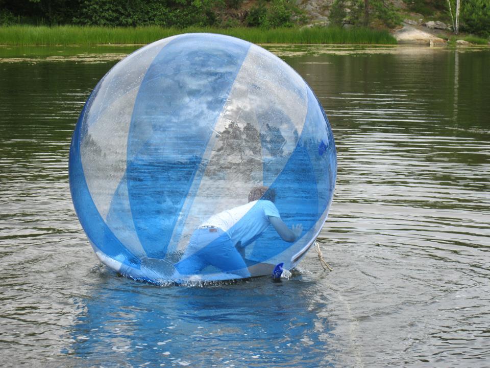 ball i vannet 1